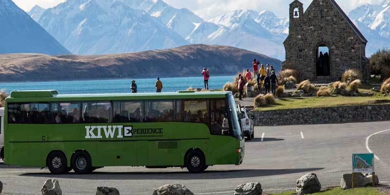 Xe bus là phương tiện di chuyển thích hợp nhất cho học sinh, sinh viên